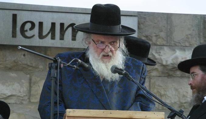 """ראב""""ד העדה החרדית הגאון הרב משה שטרנבוך: אני לא מפסיק לשמוע מחבריי הרבנים ביוהנסבורג על מעלליו של ברלנד"""