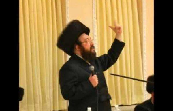 """המטורף פנחס בונקר משחרר את חרצובות לשונו נגד קדוש ישראל הגה""""ק היעב""""ץ זצוק""""ל האזינו"""
