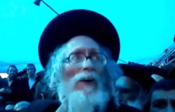 """אליעזר ברלנד מנסה להחיות את הרב אלעזר אבוחצירא זצ""""ל ולהוציאו מקברו צפו"""